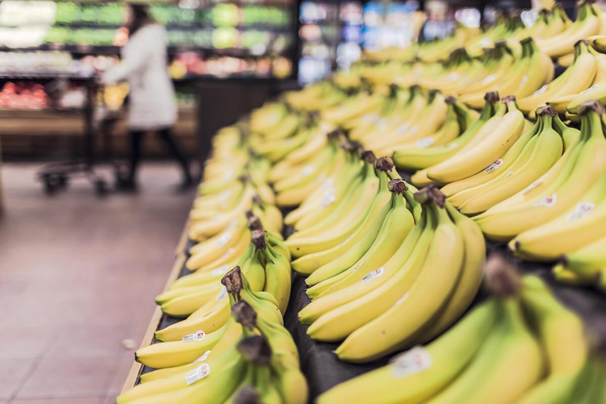 http://www.trimakasi.es/wp-content/uploads/2017/01/bananas-in-store.jpg