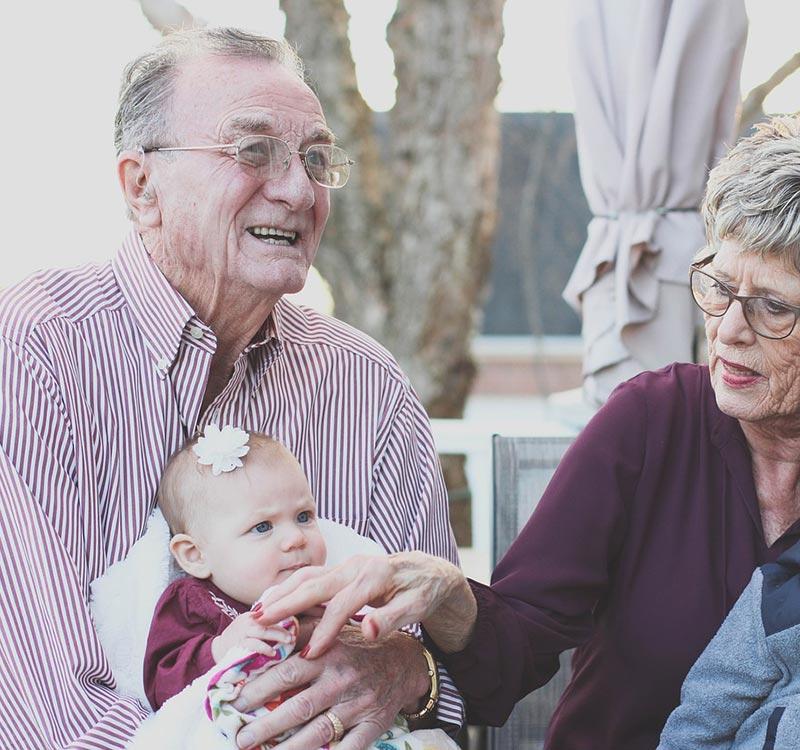 https://www.trimakasi.es/wp-content/uploads/2017/01/grandparents-2.jpg